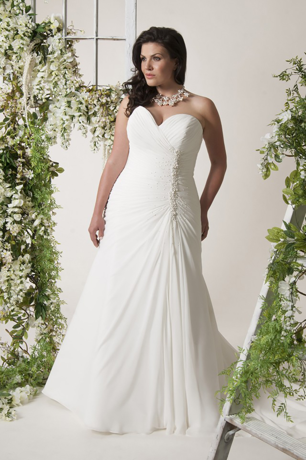 Wedding dresses love your curves bridal glasgow scotland close ombrellifo Image collections